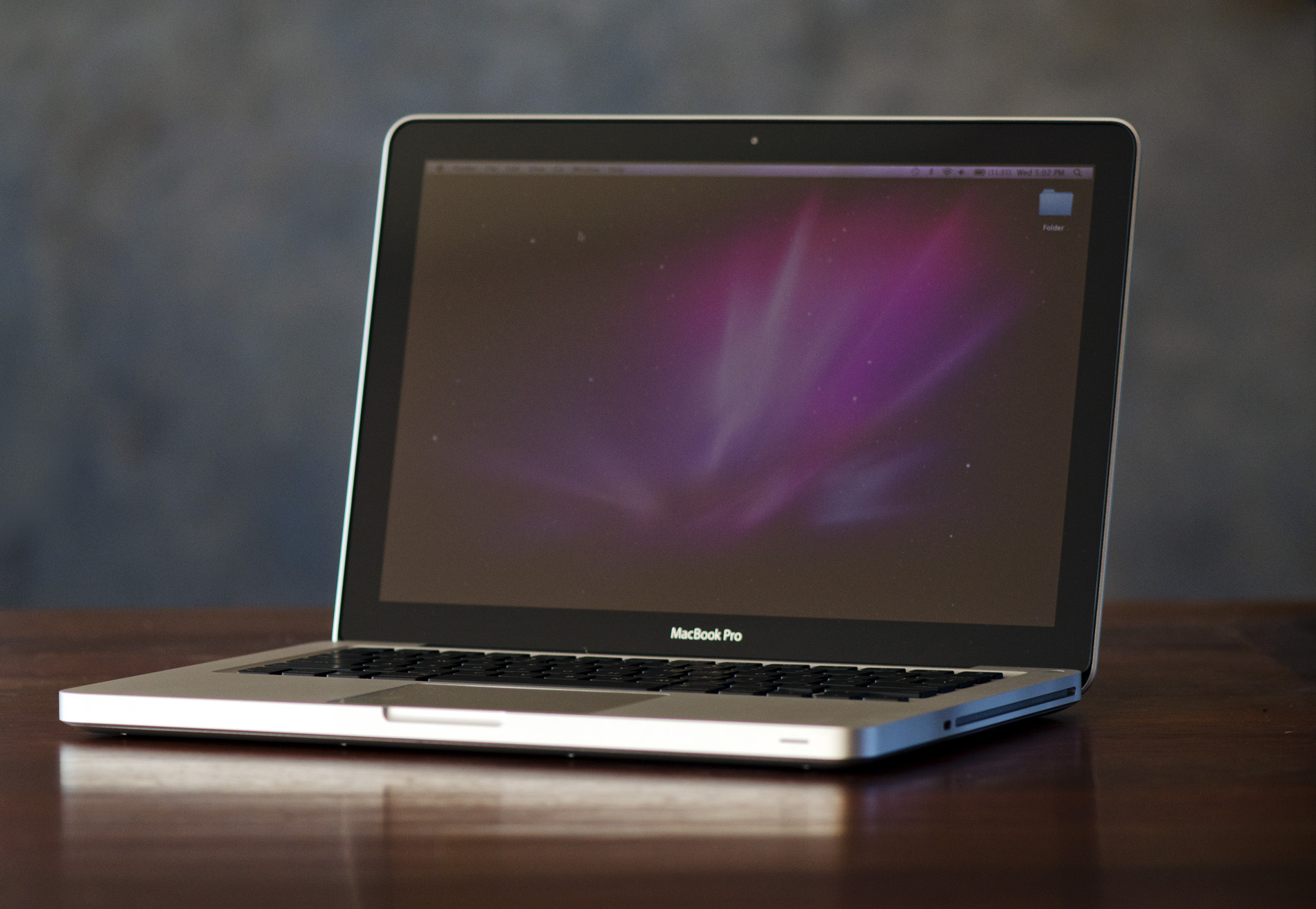 the macbook pro review 13 15 inch 2011 brings sandy. Black Bedroom Furniture Sets. Home Design Ideas