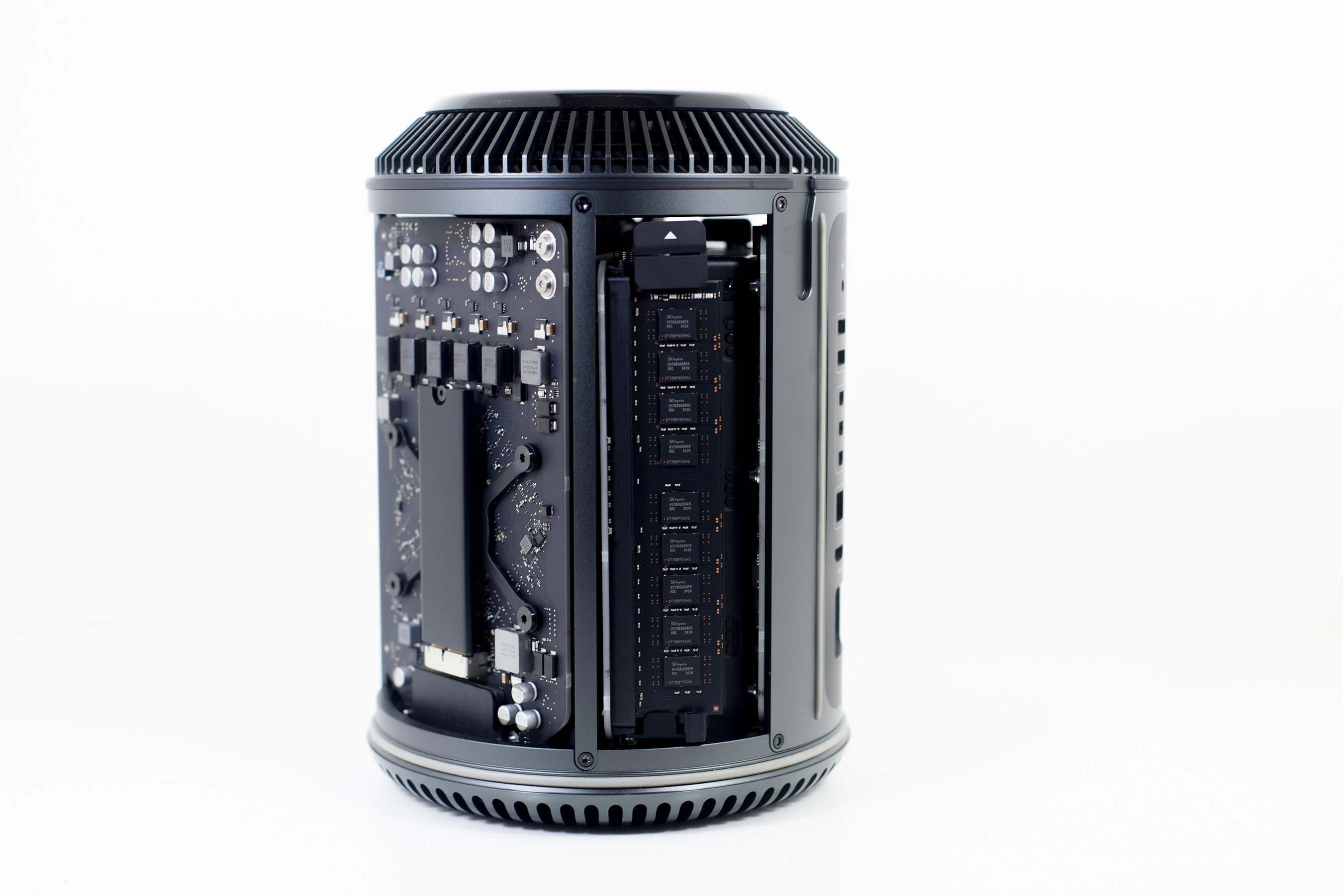 SSD, Dual Gigabit Ethernet & 802.11ac WiFi - The Mac Pro Review (Late 2013)