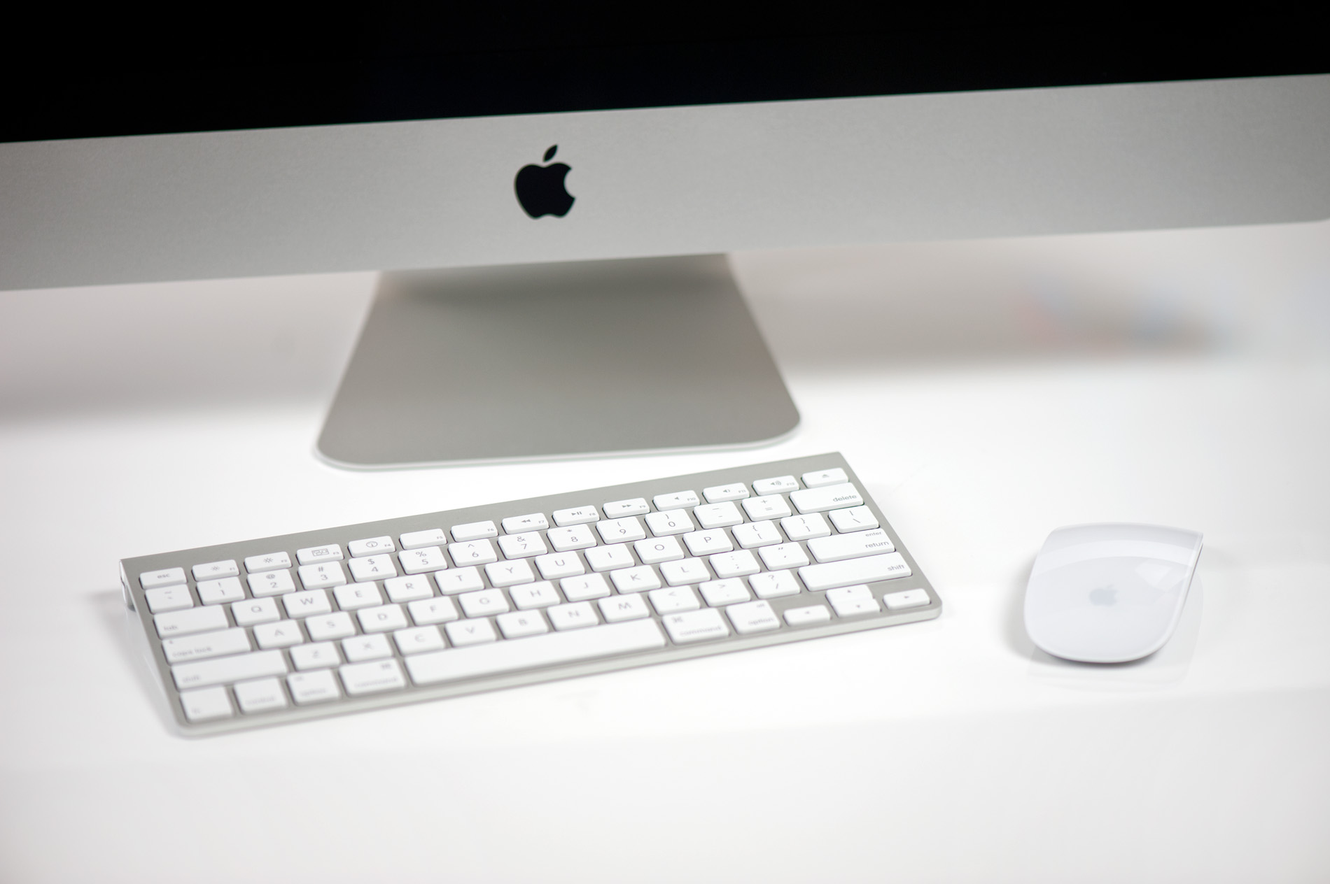 the peripherals the 27 inch apple imac review 2011. Black Bedroom Furniture Sets. Home Design Ideas