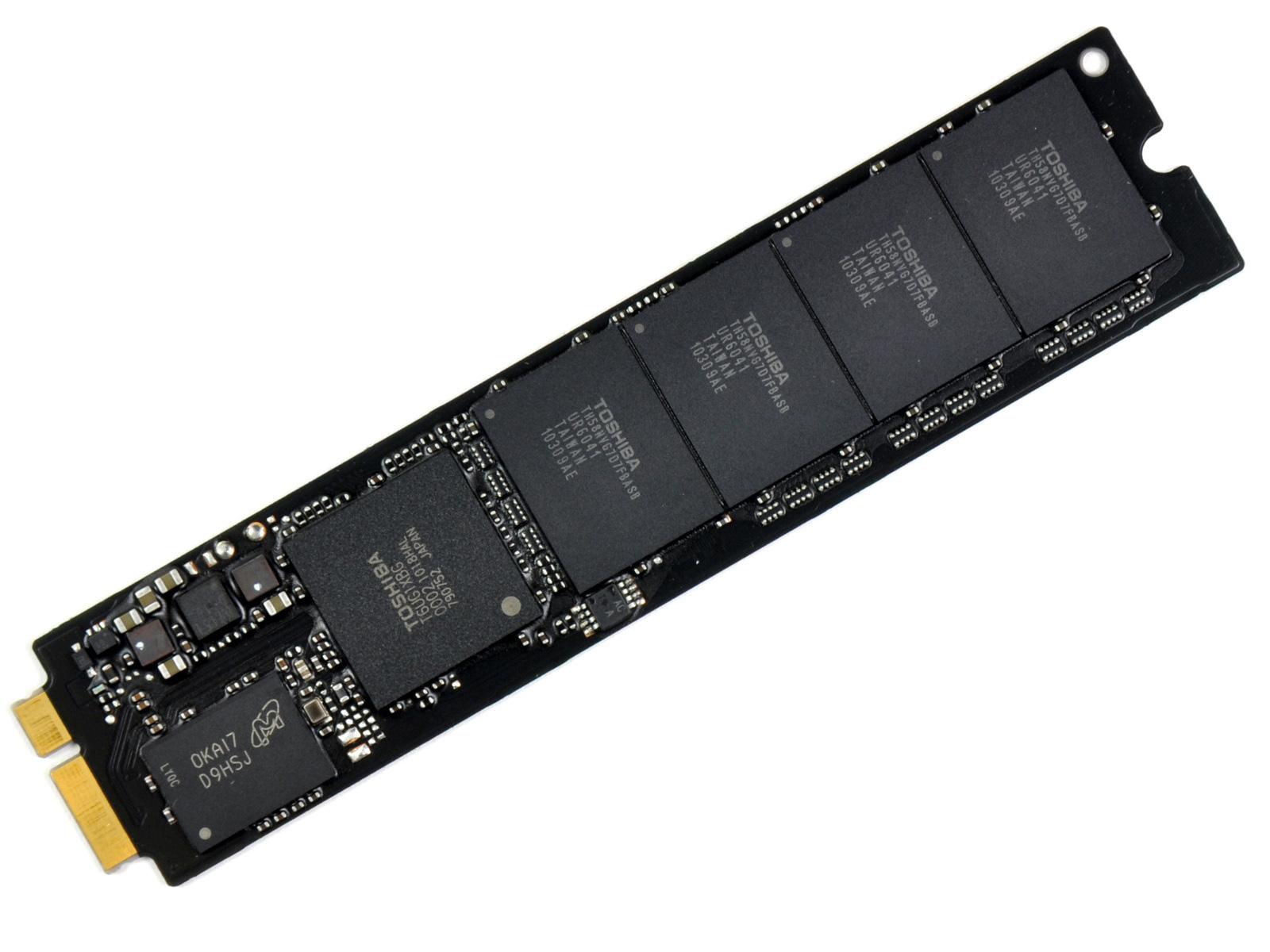 The Ssd Not Half Bad Apple S 2010 Macbook Air 11 Amp 13