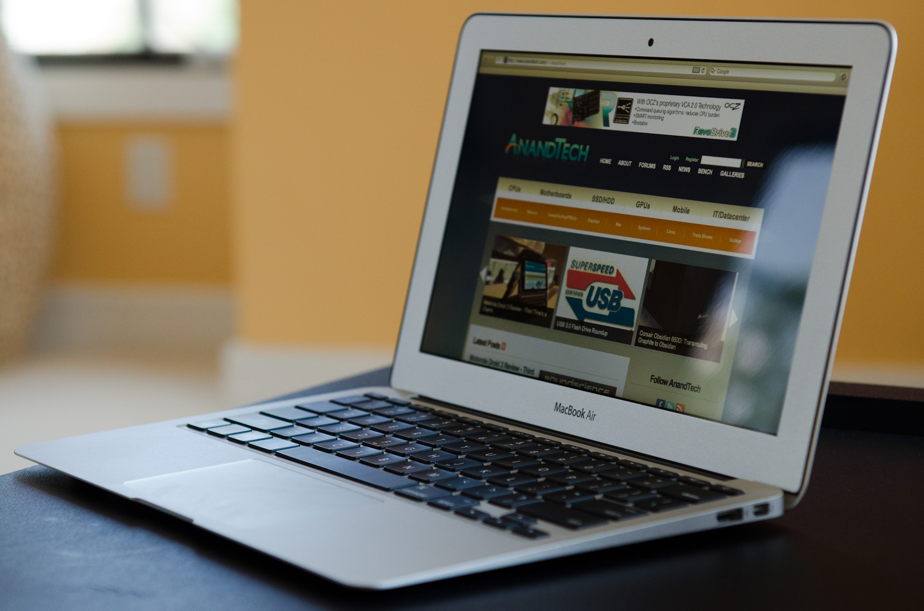 Battery Life - Apple's 11-inch MacBook Air (Core i7 1 8GHz