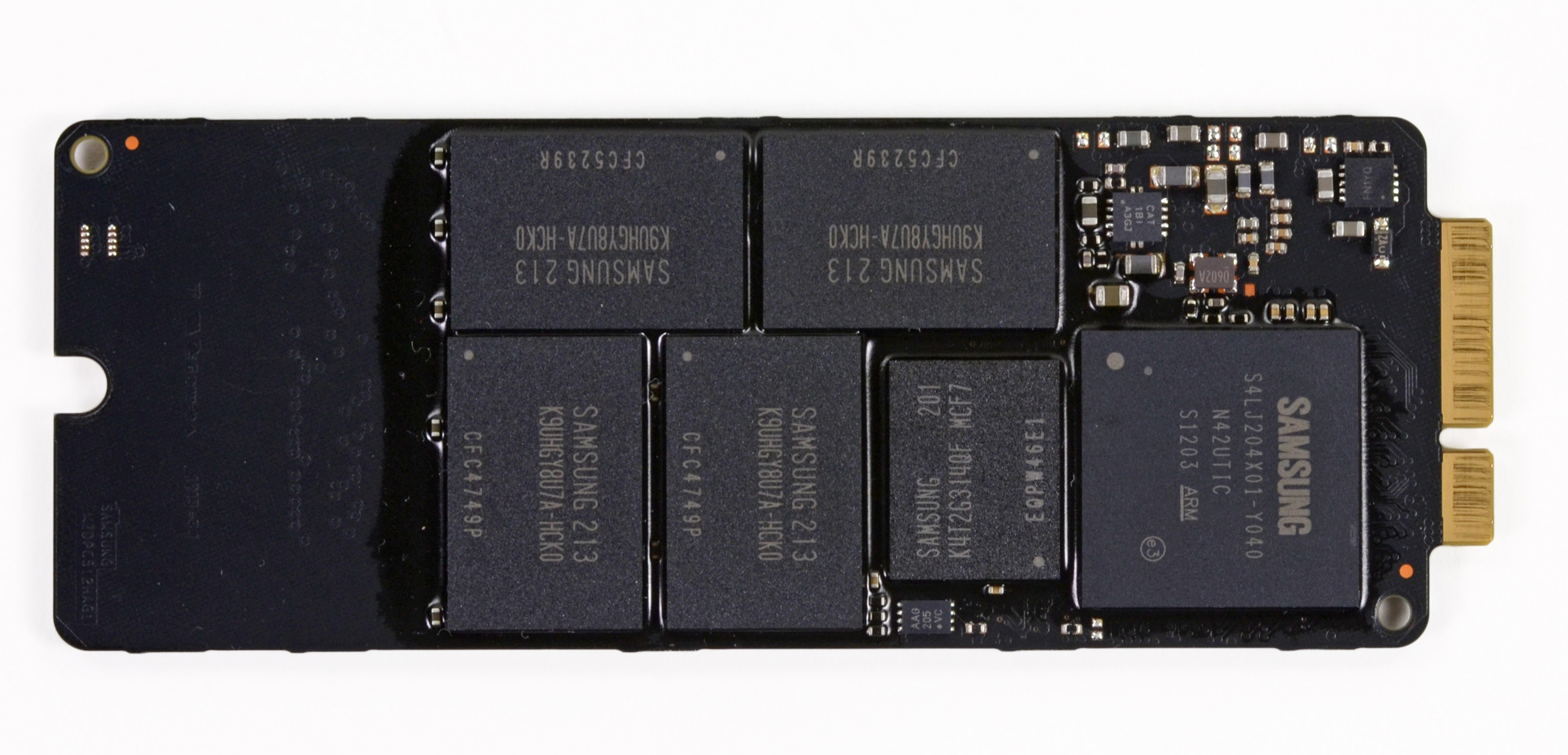 The Samsung PM830 based rMBP NAND flash storage card, image courtesy ...