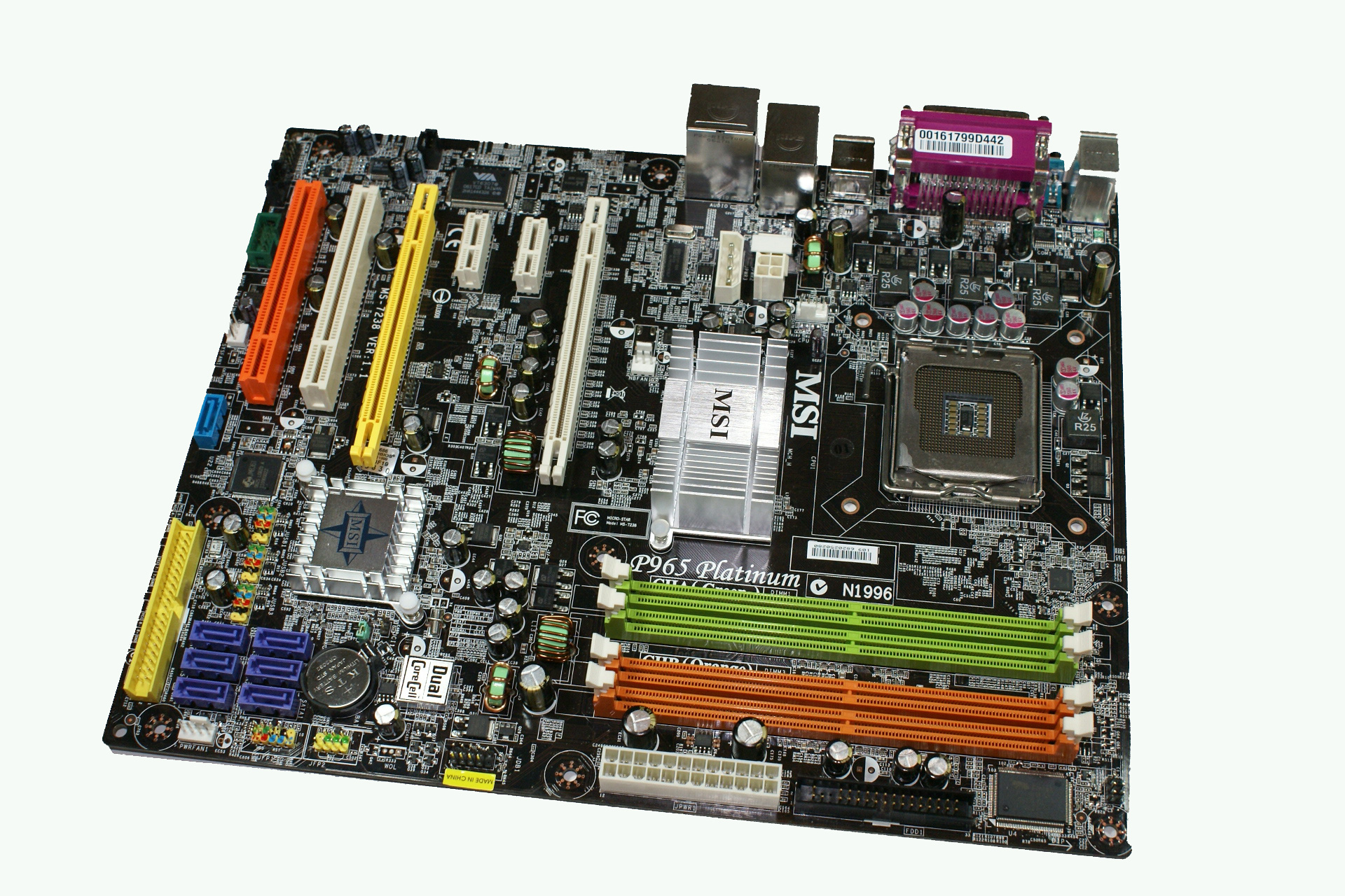 msi p965 platinum: board layout and features - intel p965: msi p965  platinum and ecs px1 extreme