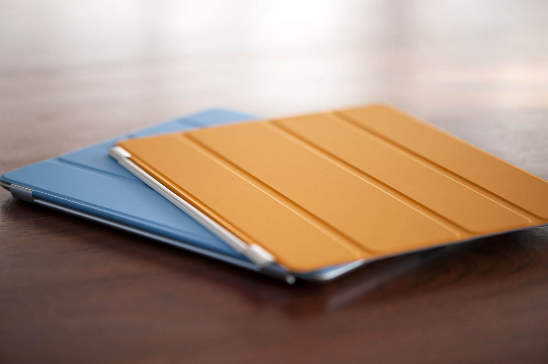 Smart Cover Reviews >> Apple S Foray Into Ipad Cases Smart Covers The Apple Ipad 2 Review