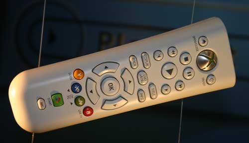 IMAGE(http://images.anandtech.com/reviews/tradeshows/2005/E3/day1/xbox360/remote.jpg)